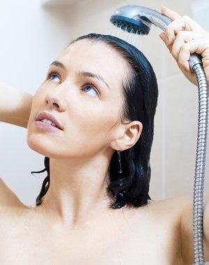 1136904-je-passe-au-shampooing-a-l-eau-froide