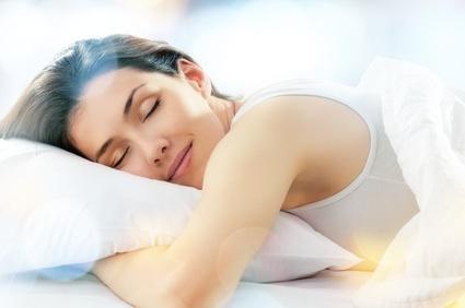 Femme-dort-sourire