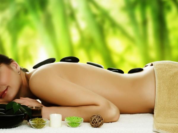 Massage_Cocooning_pierres_chaudes