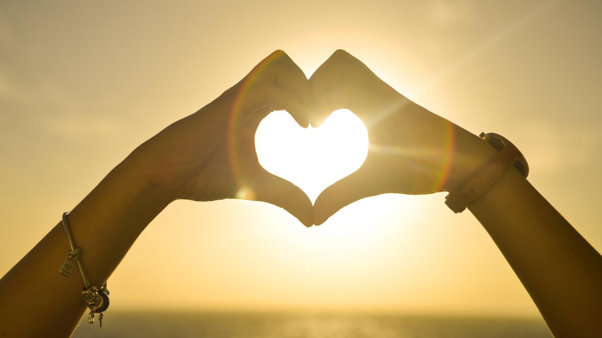comment-personnaliser-un-bijou-amour.png
