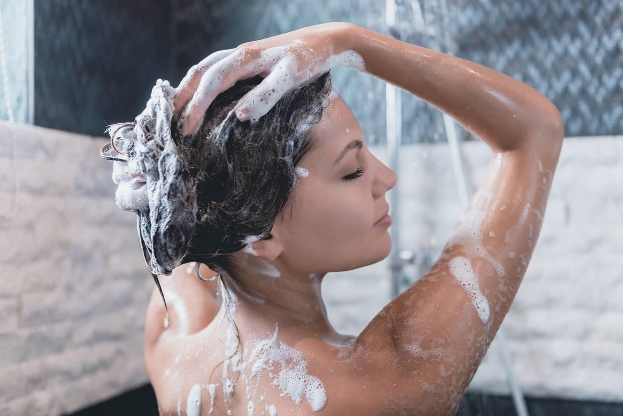 shampoing réparateur cheveux secs