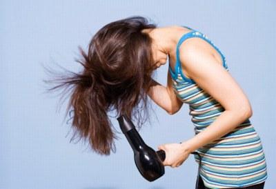 volume-cheveux-seche-cheveux-103744_L